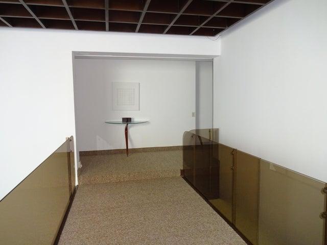 Casa Distrito Metropolitano>Caracas>Los Chorros - Venta:282.897.000.000 Bolivares - codigo: 16-12706