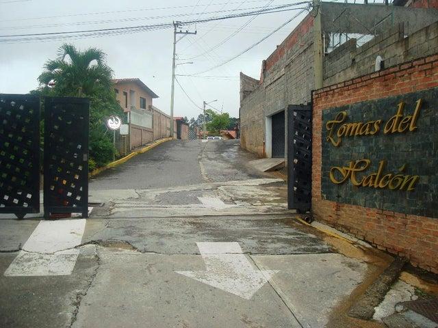 Casa Distrito Metropolitano>Caracas>Lomas del Halcon - Venta:29.421.000.000 Bolivares - codigo: 16-12737