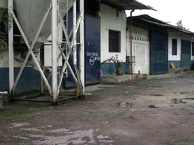 Terreno Miranda>Caucagua>Av General Miguel Acevedo - Venta:1.404.669.000.000 Precio Referencial - codigo: 16-12852