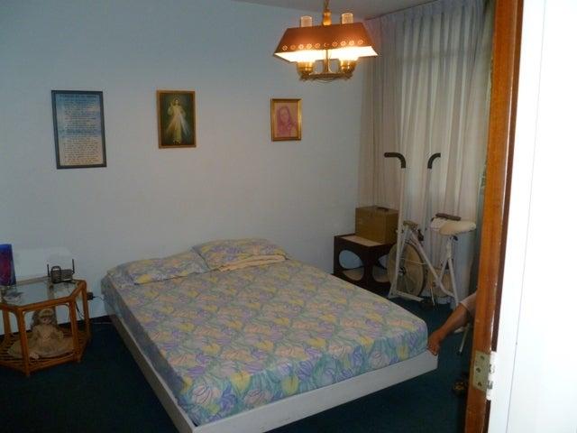 Apartamento Distrito Metropolitano>Caracas>El Cafetal - Venta:18.047.000.000 Bolivares Fuertes - codigo: 16-12793
