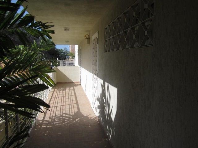 Apartamento Nueva Esparta>Margarita>Playa el Angel - Venta:45.000 Precio Referencial - codigo: 16-12853