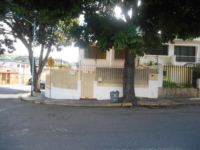 Casa Distrito Metropolitano>Caracas>Campo Claro - Venta:24.895.000.000 Bolivares - codigo: 16-11671