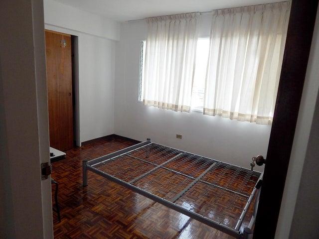 Apartamento Distrito Metropolitano>Caracas>Los Dos Caminos - Venta:24.436.000.000 Bolivares Fuertes - codigo: 16-12868