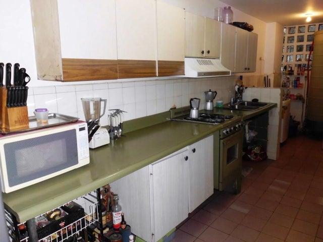 Apartamento Distrito Metropolitano>Caracas>Santa Eduvigis - Venta:76.341.000.000 Precio Referencial - codigo: 16-12867