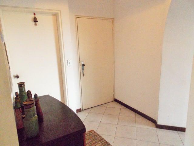 Apartamento Distrito Metropolitano>Caracas>Lomas de Prados del Este - Venta:34.615.000.000 Bolivares Fuertes - codigo: 16-12968