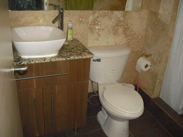 Apartamento Distrito Metropolitano>Caracas>Los Pomelos - Venta:67.676.000.000 Bolivares Fuertes - codigo: 16-12941