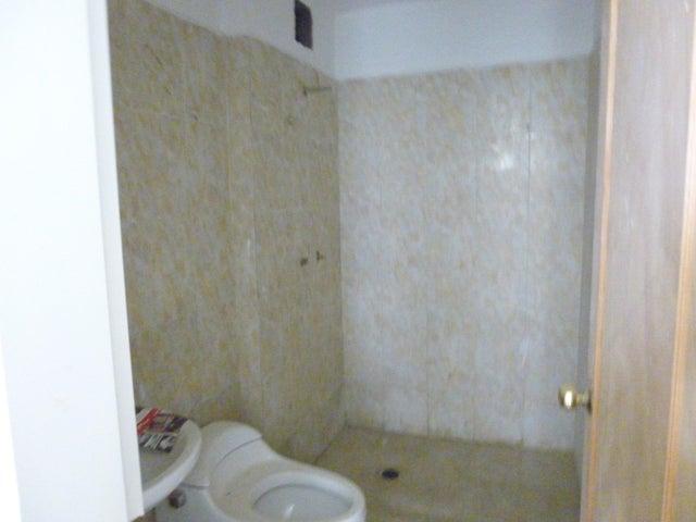 Apartamento Distrito Metropolitano>Caracas>Colinas de La Tahona - Venta:9.209.000.000 Bolivares Fuertes - codigo: 16-12986