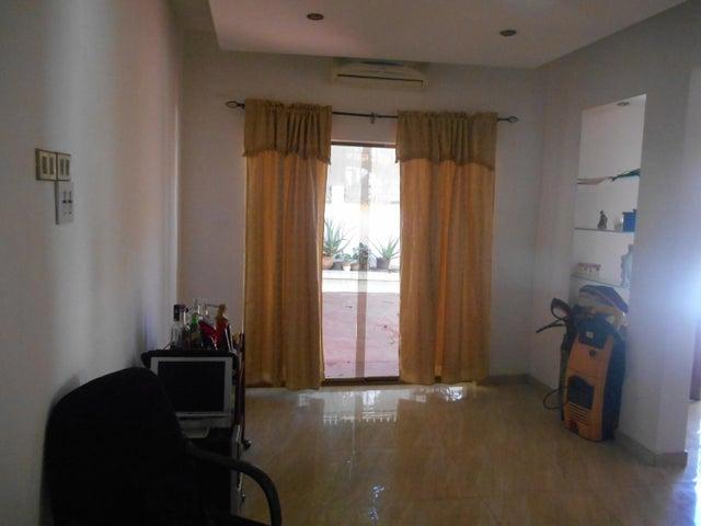 Casa Distrito Metropolitano>Caracas>Campo Claro - Alquiler:92.000.000 Bolivares - codigo: 16-12997