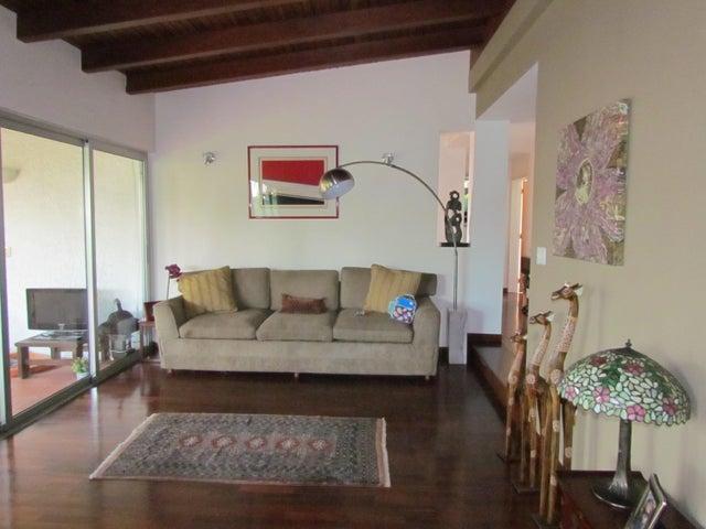 Casa Distrito Metropolitano>Caracas>Lomas de La Lagunita - Venta:94.686.000.000 Bolivares - codigo: 16-13019