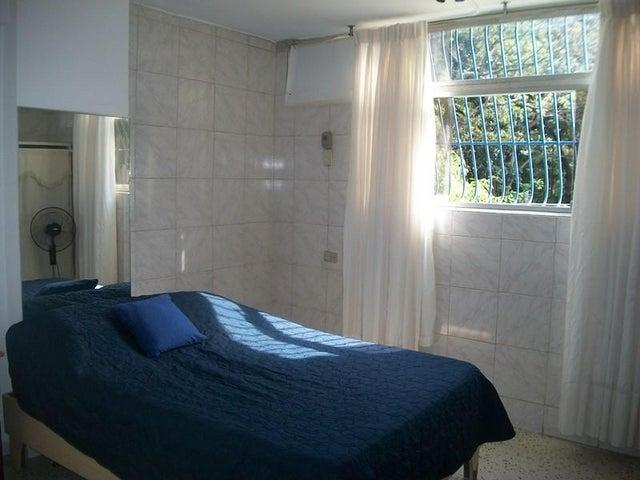 Apartamento Distrito Metropolitano>Caracas>Los Rosales - Venta:26.654.000.000 Precio Referencial - codigo: 16-13042