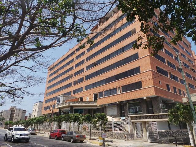 Apartamento Vargas>Catia La Mar>Playa Grande - Venta:30.100.000.000 Bolivares Fuertes - codigo: 16-12645