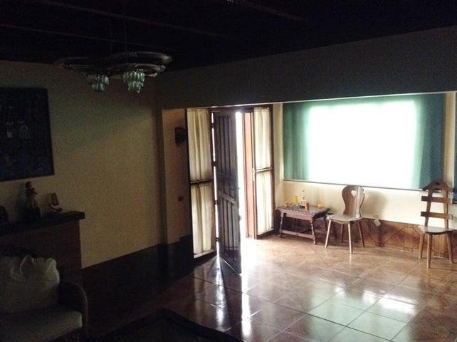 Apartamento Aragua>La Colonia Tovar>La Colonia Tovar - Venta:150.000 Precio Referencial - codigo: 16-13083