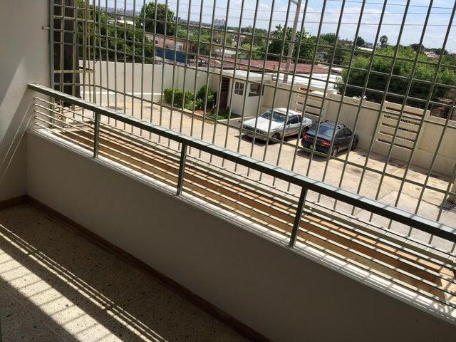 Apartamento Zulia>Maracaibo>Las Delicias - Venta:22.300.000 Bolivares Fuertes - codigo: 16-13070