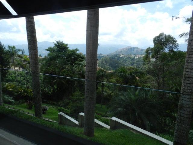 Casa Distrito Metropolitano>Caracas>La Lagunita Country Club - Venta:281.983.000.000 Bolivares - codigo: 16-13195