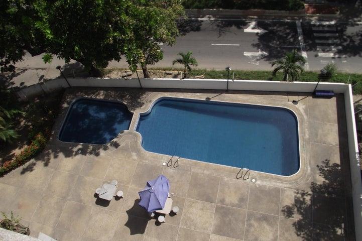 Apartamento Vargas>Parroquia Caraballeda>Caribe - Venta:5.640.000.000 Bolivares Fuertes - codigo: 16-13202