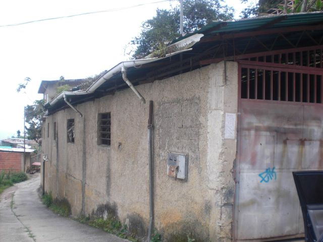 Galpon - Deposito Distrito Metropolitano>Caracas>Hoyo de La Puerta - Venta:703.236.000.000 Precio Referencial - codigo: 16-13354