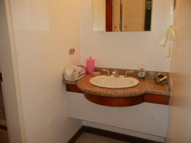 Apartamento Distrito Metropolitano>Caracas>El Rosal - Venta:54.965.000.000 Precio Referencial - codigo: 16-13264