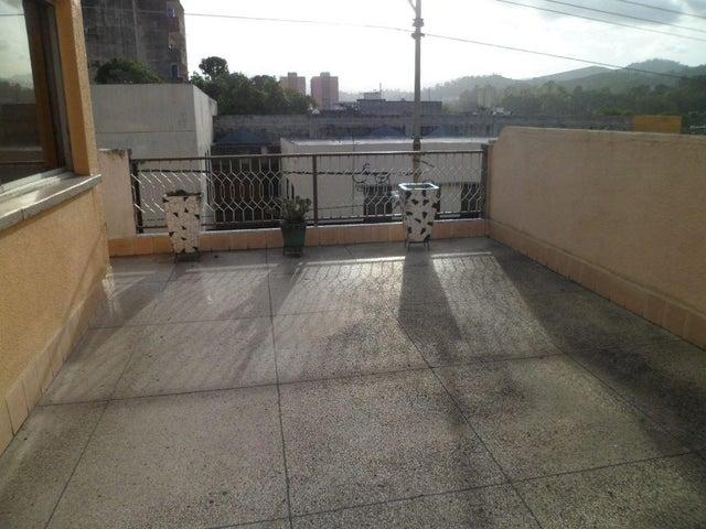 Casa Miranda>Los Teques>Municipio Guaicaipuro - Venta:115.114.000.000 Bolivares - codigo: 16-13305