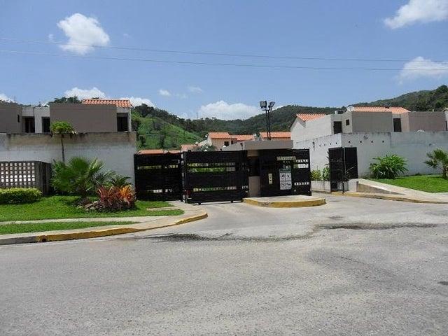 Townhouse Carabobo>Municipio Naguanagua>Tazajal - Venta:30.000 Precio Referencial - codigo: 16-13342