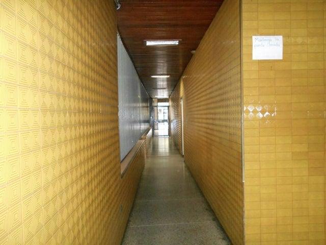 Apartamento Distrito Metropolitano>Caracas>Parroquia La Candelaria - Venta:693.000.000 Bolivares Fuertes - codigo: 16-13372