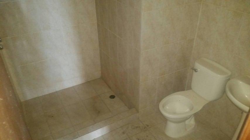 Apartamento Zulia>Maracaibo>Avenida El Milagro - Venta:127.000  - codigo: 16-13374