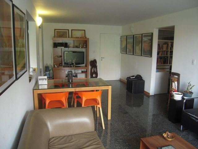 Apartamento Distrito Metropolitano>Caracas>Colinas de La Tahona - Venta:21.500.000.000 Bolivares Fuertes - codigo: 16-13398