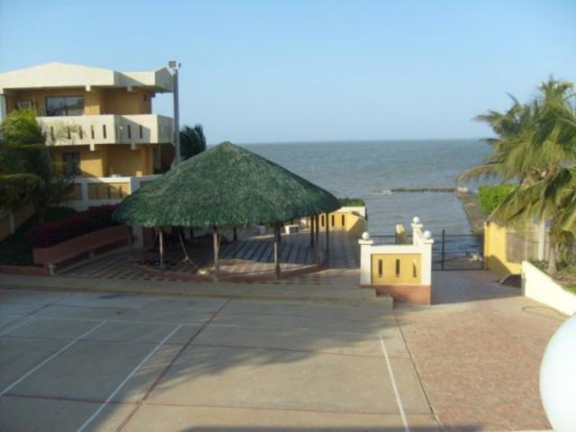 Casa Zulia>Los Puertos de Altagracia>Via Principal - Venta:102.500.000.000 Precio Referencial - codigo: 16-13405