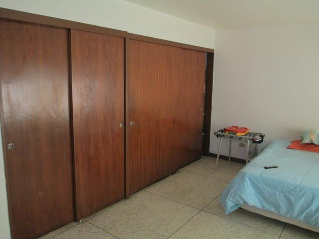 Apartamento Miranda>Los Teques>Municipio Guaicaipuro - Venta:20.257.000.000 Precio Referencial - codigo: 16-13431