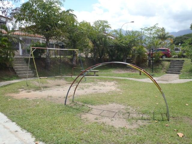Casa Miranda>Guatire>El Castillejo - Venta:11.279.000.000 Bolivares - codigo: 16-13432