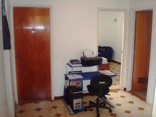 Casa Distrito Metropolitano>Caracas>La Lagunita Country Club - Venta:372.729.000.000  - codigo: 16-13465