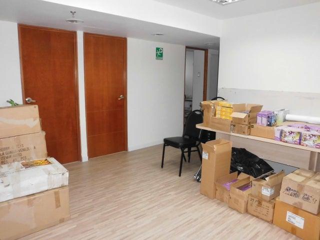 Oficina Distrito Metropolitano>Caracas>Macaracuay - Alquiler:1.221.000.000 Bolivares - codigo: 16-13474