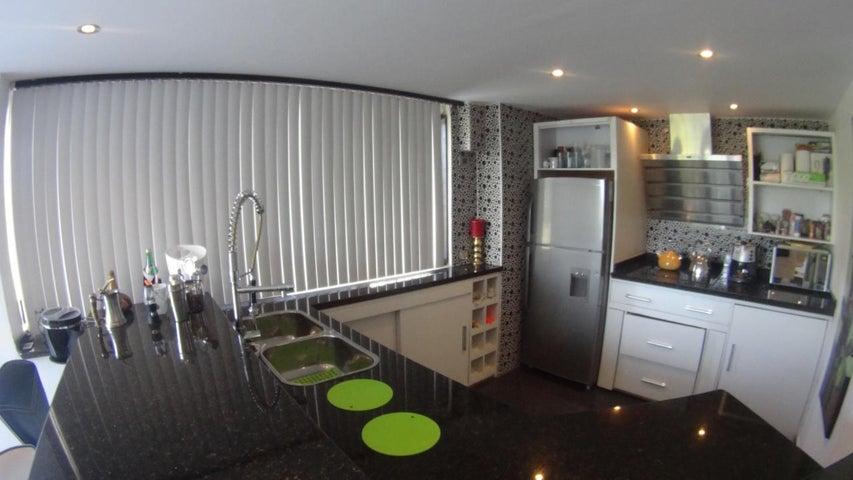 Apartamento Miranda>Rio Chico>Los Canales de Rio Chico - Venta:9.400.000.000 Bolivares Fuertes - codigo: 16-13495