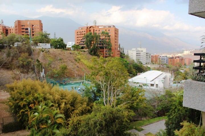 Apartamento Distrito Metropolitano>Caracas>Colinas de Valle Arriba - Venta:159.924.000.000 Precio Referencial - codigo: 16-13567