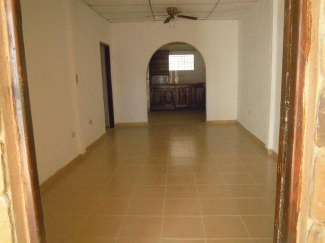 Casa Falcon>Punto Fijo>Centro - Venta:180.000.000  - codigo: 16-13613