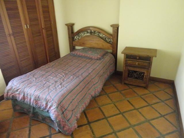 Townhouse Distrito Metropolitano>Caracas>Parque Oripoto - Venta:66.973.000.000 Bolivares - codigo: 16-13706