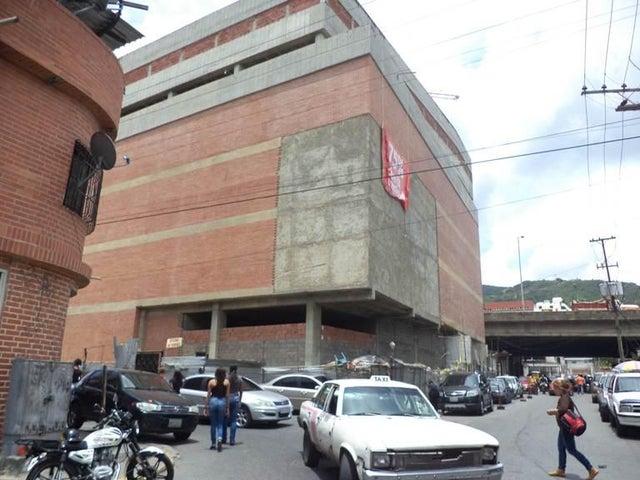 Galpon - Deposito Distrito Metropolitano>Caracas>Cementerio - Venta:278.000.000 Bolivares - codigo: 16-13638