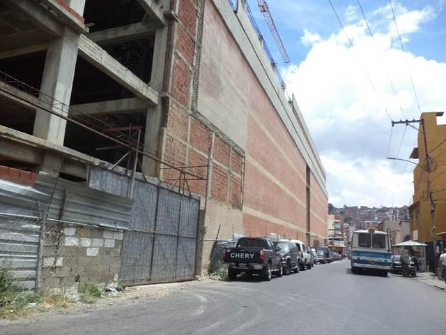 Galpon - Deposito Distrito Metropolitano>Caracas>Cementerio - Venta:1.548.000.000 Precio Referencial - codigo: 16-13638