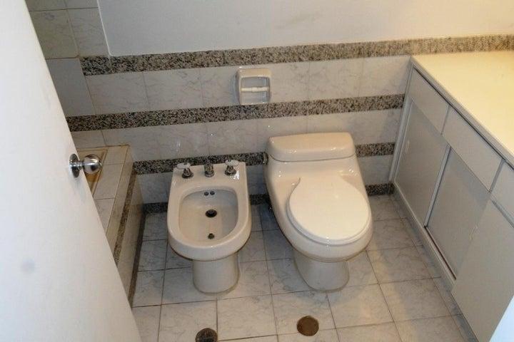 Apartamento Distrito Metropolitano>Caracas>La Castellana - Venta:33.948.000.000 Bolivares Fuertes - codigo: 16-13707