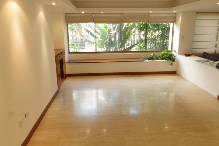 Apartamento Distrito Metropolitano>Caracas>Campo Alegre - Venta:239.497.000.000 Precio Referencial - codigo: 16-13768