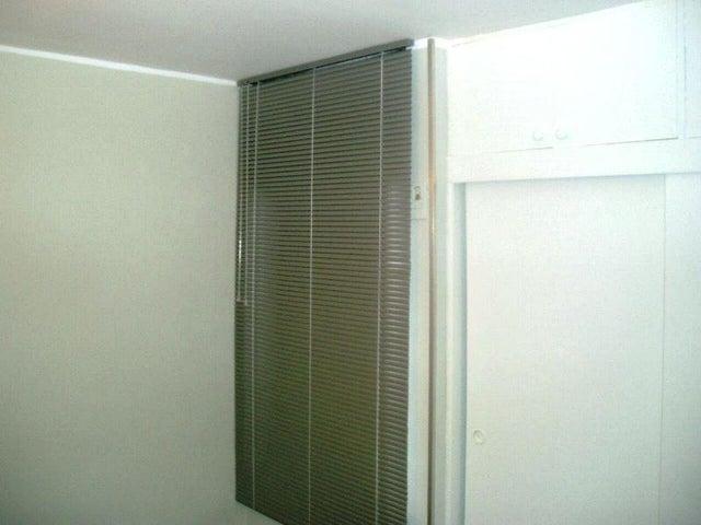 Apartamento Miranda>Guarenas>Nueva Casarapa - Venta:31.774.000.000 Precio Referencial - codigo: 16-13873