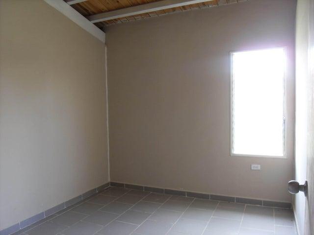 Casa Cojedes>Tinaquillo>Villas de San Antonio - Venta:577.000.000 Bolivares - codigo: 16-13861