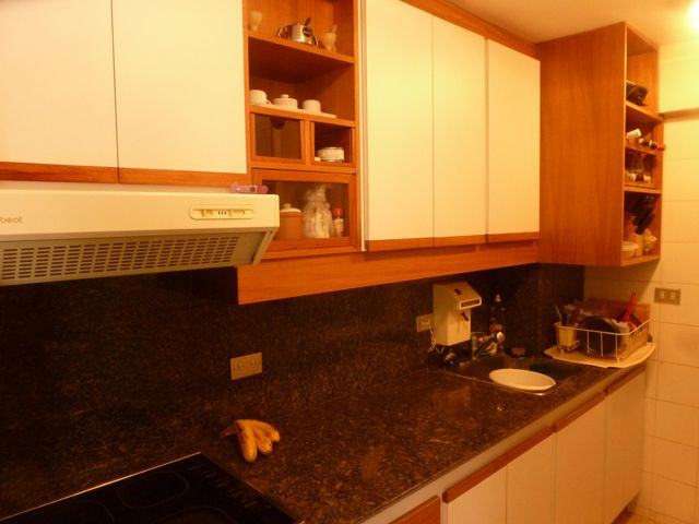 Apartamento Distrito Metropolitano>Caracas>Campo Alegre - Venta:65.632.000.000 Bolivares Fuertes - codigo: 16-13890
