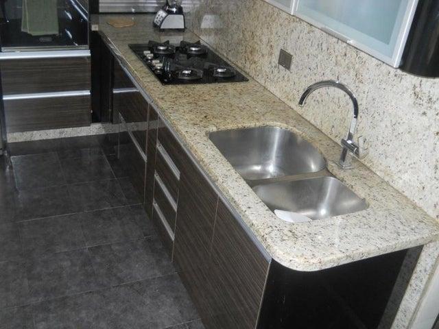 Apartamento Distrito Metropolitano>Caracas>Montalban II - Venta:23.076.000.000 Bolivares Fuertes - codigo: 16-13900