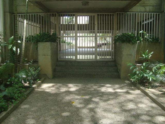 Apartamento Distrito Metropolitano>Caracas>La Florida - Venta:122.900.000.000 Precio Referencial - codigo: 16-13896