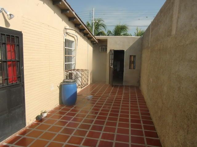 Casa Carabobo>San Joaquin>Guayabal - Venta:26.500.000 Bolivares - codigo: 16-14690