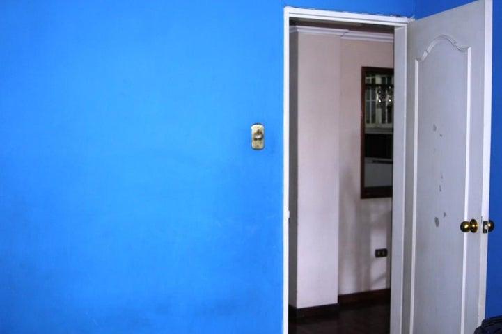 Apartamento Distrito Metropolitano>Caracas>Parroquia La Candelaria - Venta:23.950.000.000 Precio Referencial - codigo: 16-14475