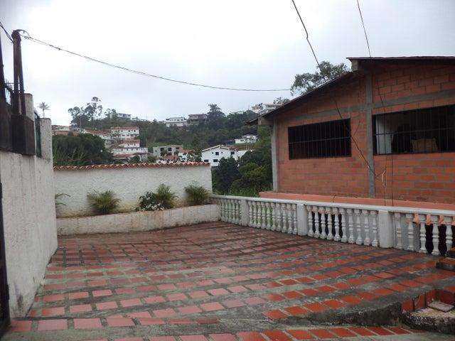Casa Miranda>Los Teques>La Macarena Norte - Venta:25.650.000.000 Precio Referencial - codigo: 16-13933
