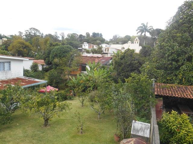 Casa Miranda>Los Teques>Macarena Sur - Venta:255.000 Precio Referencial - codigo: 16-14144