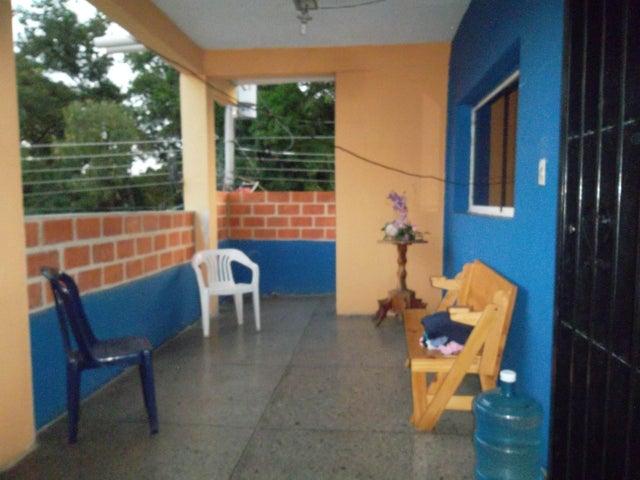 Local Comercial Carabobo>Municipio Libertador>Parroquia Tocuyito - Venta:70.000 Bolivares - codigo: 16-13955