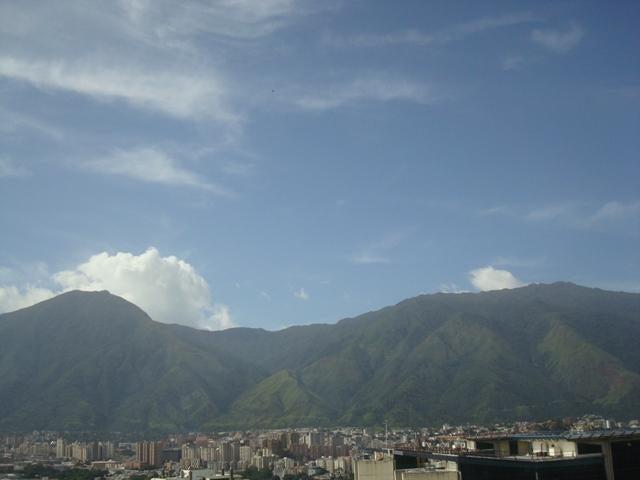 Apartamento Distrito Metropolitano>Caracas>Macaracuay - Venta:81.027.000.000 Precio Referencial - codigo: 16-14004